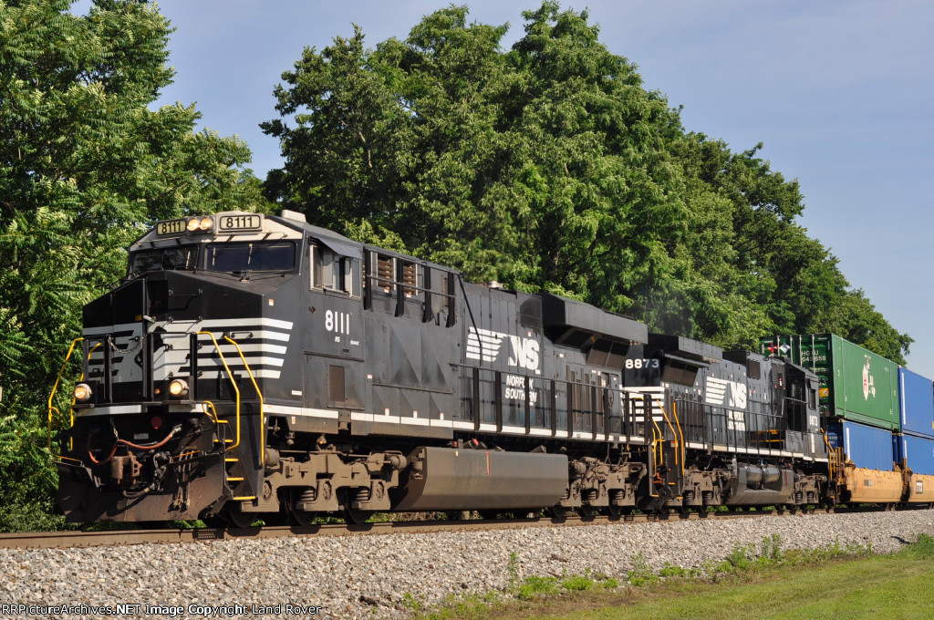 NS 8111 On NS 295 Eastbound