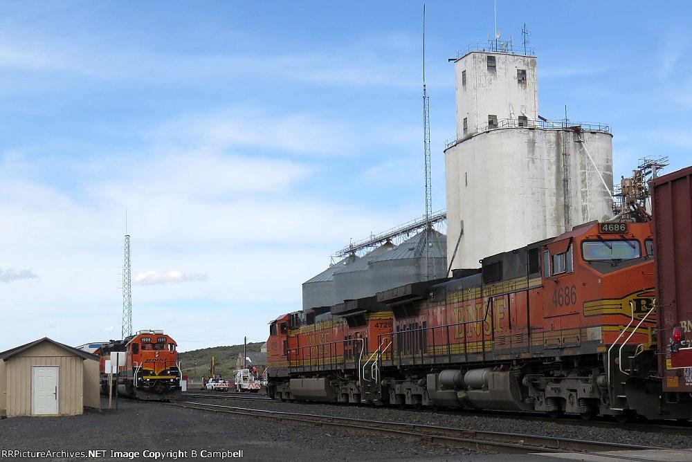 BNSF 4686 - BNSF 4729