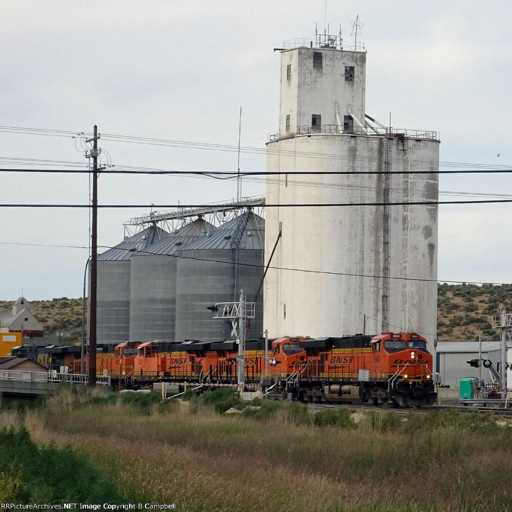 BNSF 5941-BNSF 6822-BNSF 5931-BNSF 4657-CSX 5381