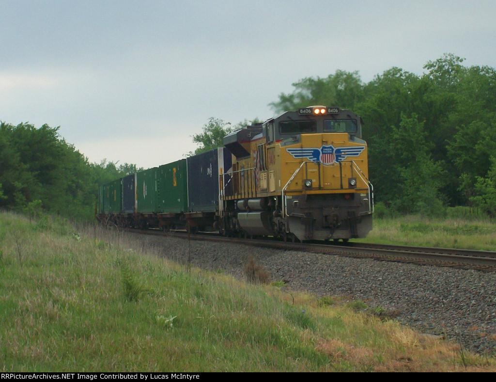 UP 8406 DPU on eastbound UP intermodal train