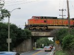 BNSF 4077 passes over Heege Road