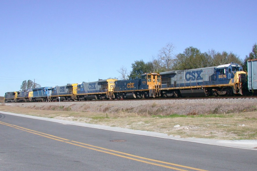 CSX NB freight with DIT power heading for the shop