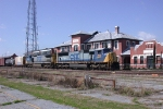 CSX Q542 goes by the Waycross depot