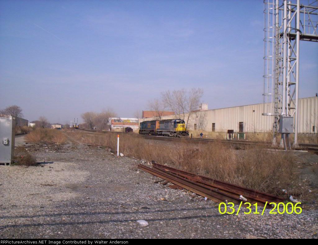 CSX 8888 & 4766 heading southbound