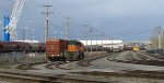 BNSF 2085 (foreground with UP 369147 boxcar) and BNSF 2959