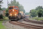 BNSF power leads eastbound Q158