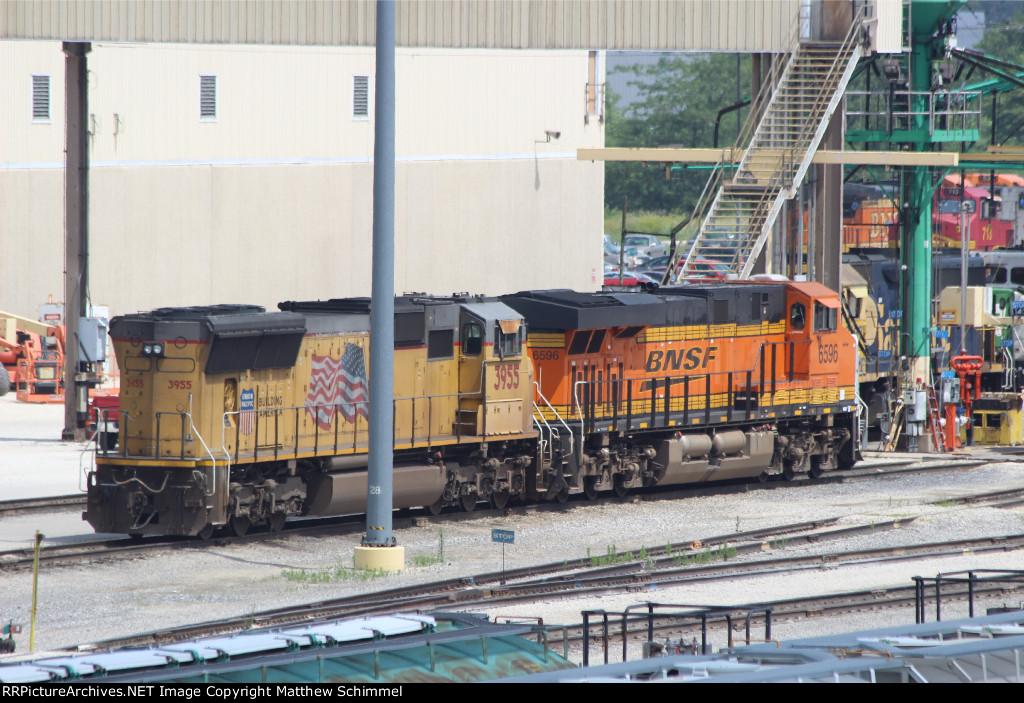 UP 3955 & BNSF 6596