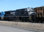 """SD80MAC(or """"MAC80"""") under the cab 7202 seen on NS C90"""