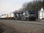 Eastbound TV train rolls towards CP MO in the morning sun