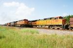 BNSF 5436, CSX 920, BNSF 4702 (sb) passes BNSF 7806, UP 5038, BNSF 4087 (nb)