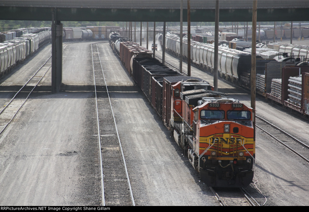 BNSF 5332 Waits for a crew to be called.