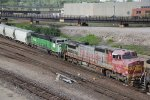 BNSF 948 Makes it look like the 90's again..