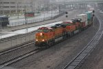 BNSF 5126 Rocks a stack into the pouring rain..