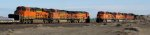 BNSF 5042 - BNSF 5007 - BNSF 6731 northbound passing BNSF 5945 - BNSF 5726 - BNSF 8598