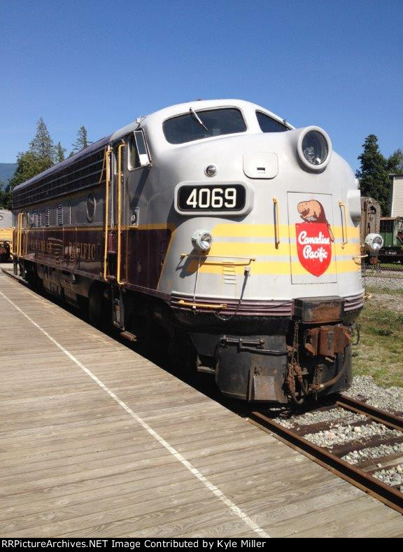 CP FP7-A #4069 soaks up the sun at her home at the West Coast Railway Association in Squamish, BC., August 2009. Built in 1952, she served VIA rail wearing #1425 & #6569 as well.