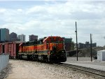 BNSF 2114 headed to old BN Yard