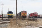DME 6055 & BNSF 5287 sit in front of other power as a long line of CP power sits nearby