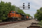 BNSF 6909 leads the way as 31K starts down the Porter Branch