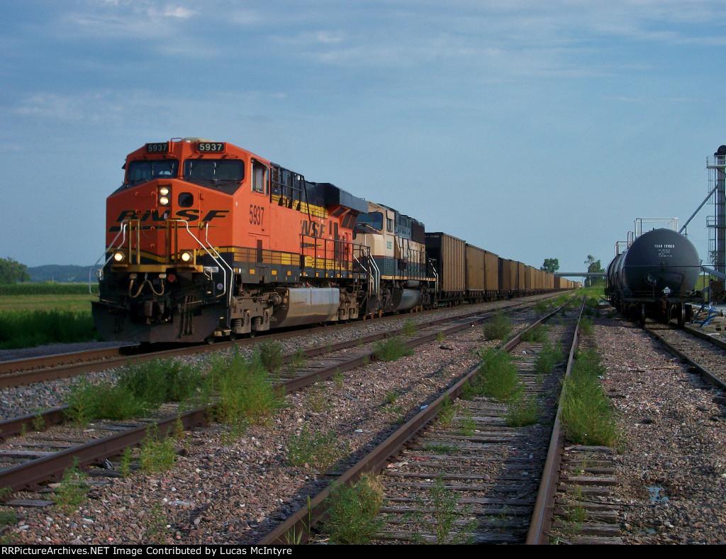 BNSF 5937 westbound BNSF empty coal train
