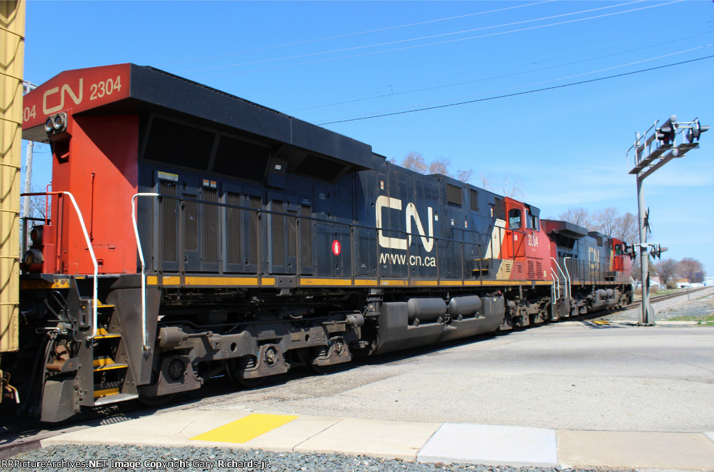 CN 2304 & 2696