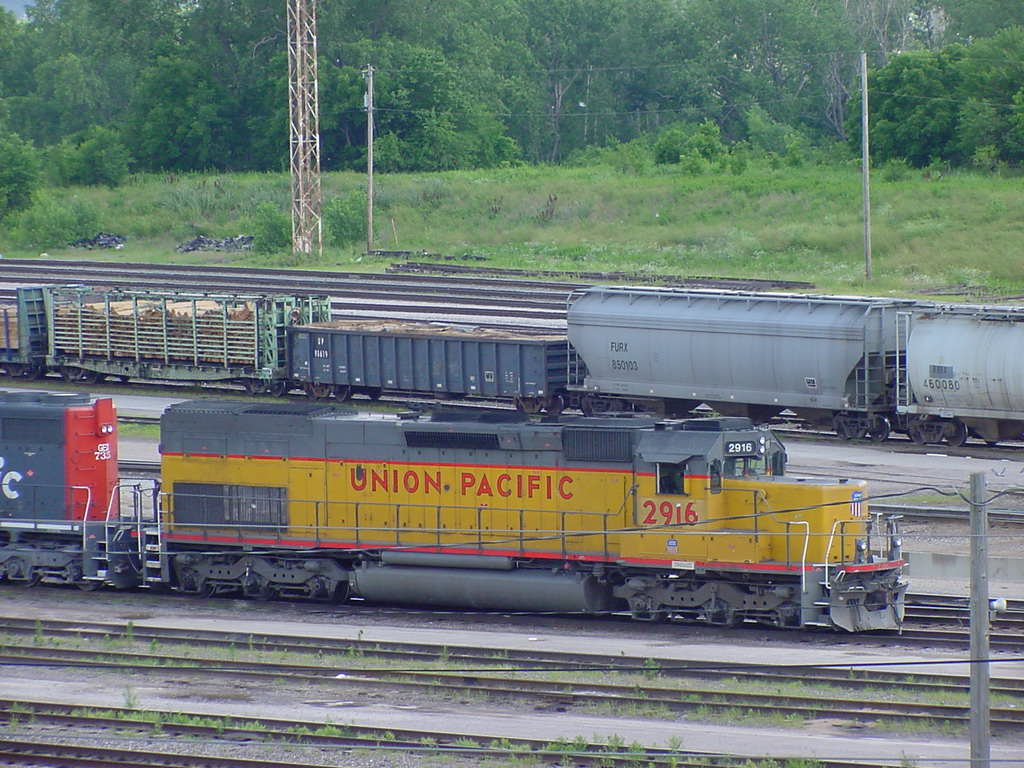 UP SD40-2T Snoot Nose 2916
