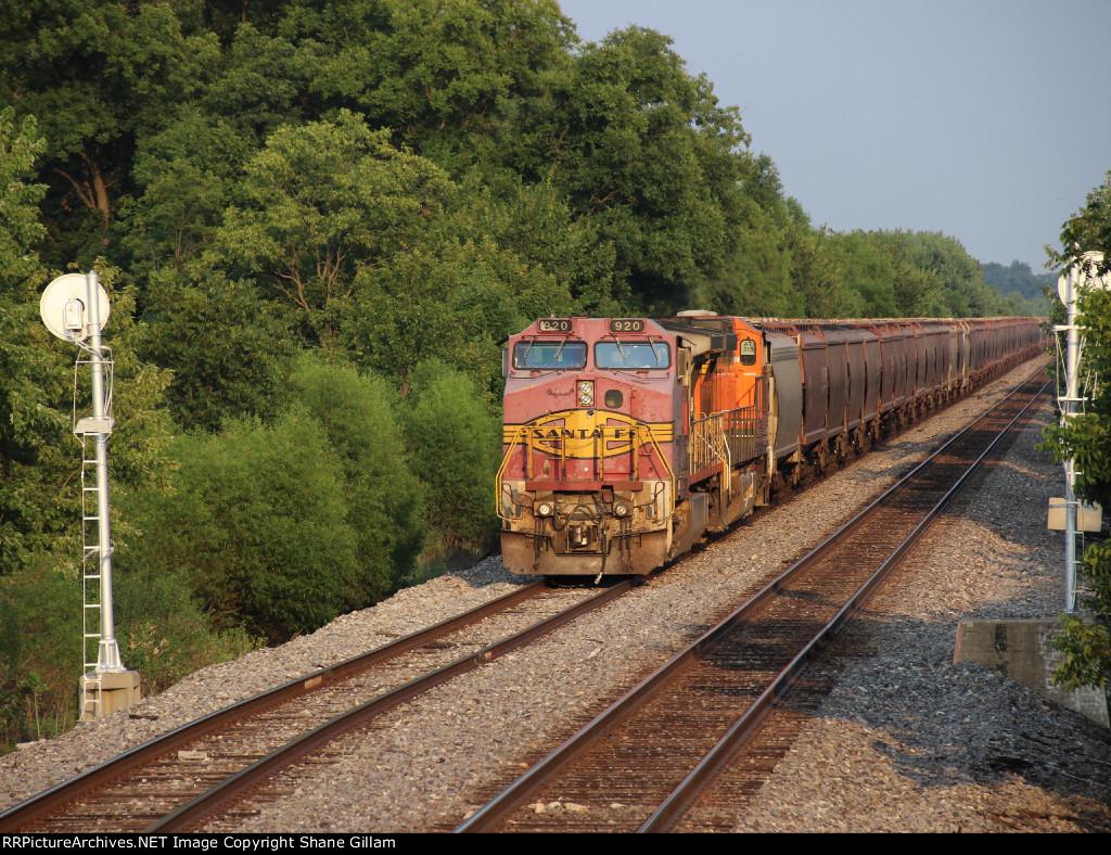 BNSF 920 Santa Fe lives on..