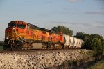 BNSF 4906 Leads a NB mixed freight up the Hannibal Sub.
