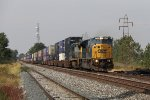 CSX 4592 makes track speed as it leads Q016 east