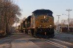 CSX 5419 rolls across Union St as it leads S507 south for Cincinnati