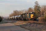 CSX 2646 & 6039 work hard as they pull J782 north with traffic for Middletown & Dayton