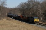 CSX 622 & BNSF 4394 head west into the evenng sun with K041