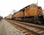BNSF 9923 with empty hoppers