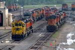 BNSF5661, SF1621, SF784, NS9880 and others at the diesel depot