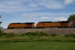 BNSF4304 and BNSF4622 passing Peck Park