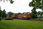 BNSF8036, BNSF6598 and BNSF8011 passing Peck Park