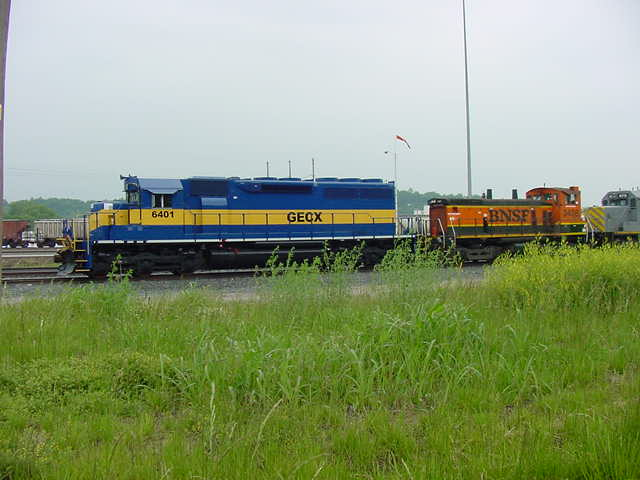 GECX SD40-2 6401 and BNSF SW-1500 3438