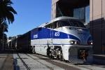 AMTK 453 brings train 580 into San Diego from LA