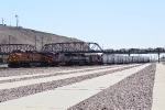 An eastbound BNSF train with a nice lashup heads out of Barstow