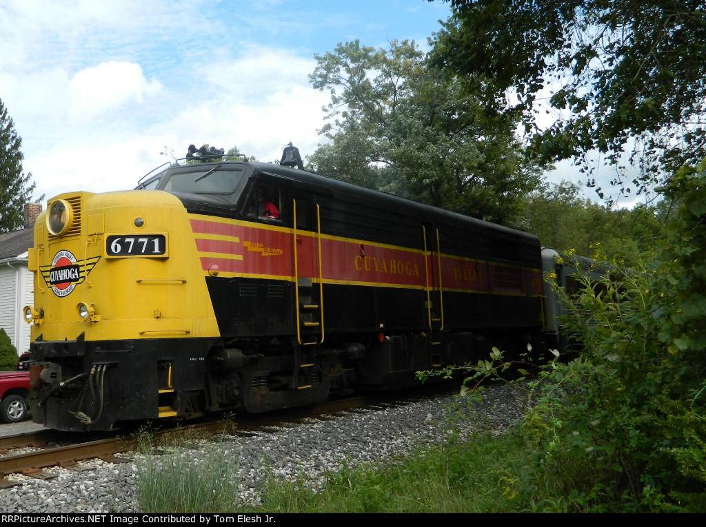 CVSR 6771 Pulling Back 765 After Run Bys