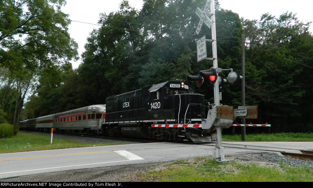 LTEX 1420 Backing Up CVSR Wedding Train In Botzum Ohio