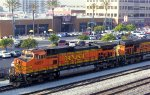 BNSF GEs in freight