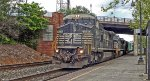 35Q Ex Conrail leader