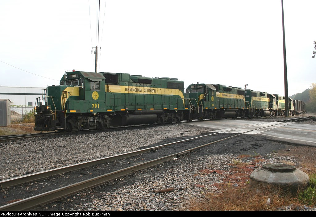 Birmingham Southern quartet moves coal out of the yard for interchange