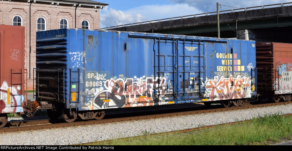 SP 698697 X-GVSR 747XXX XX-SP 698697 1970-built PCF 4836cf 50-foot 6-inch interior-post 1.5 plug-door insulated box car on CSX in Cartersville GA 5-51PM 09-12-2015