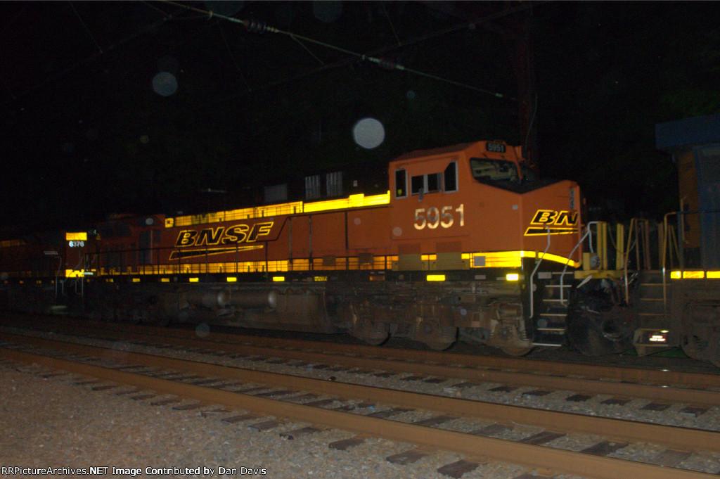 BNSF ES44AC 5951 trails a CSX ES40DC on K042-07