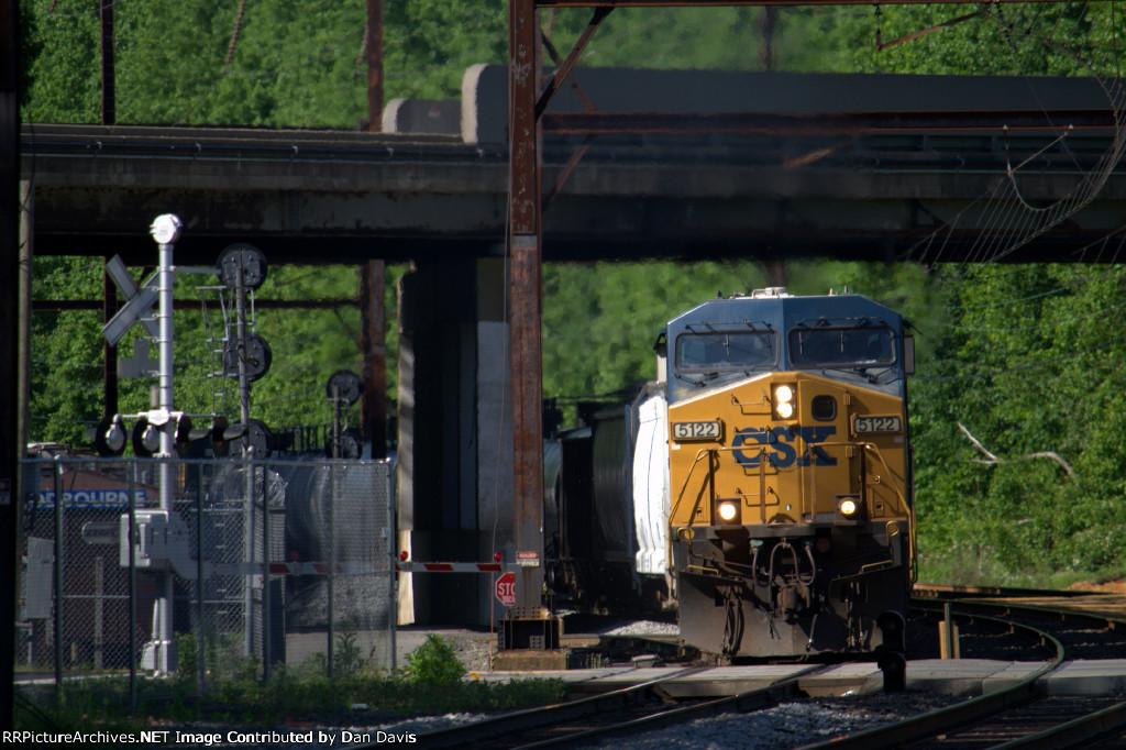 CSX CW44AH 5112 leads Q300-31