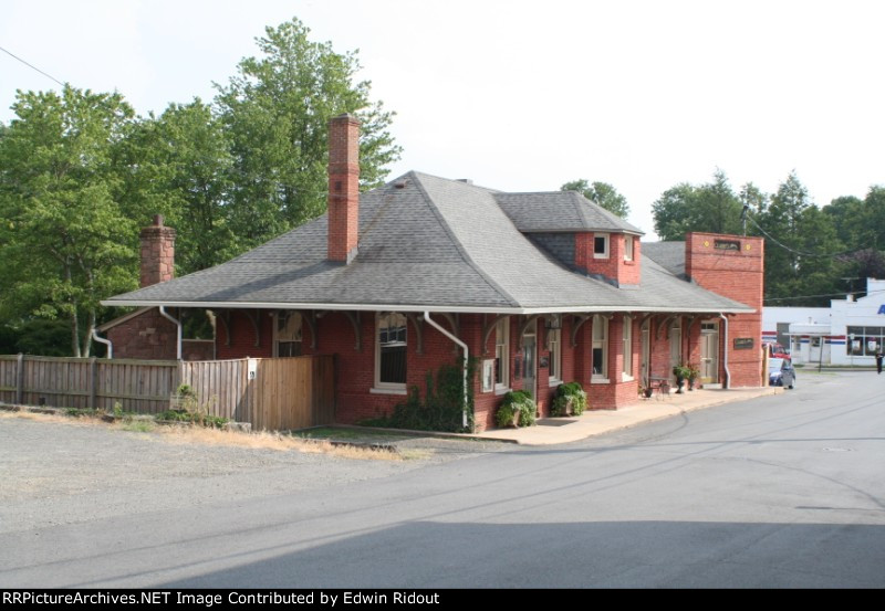 The former Warrenton Railroad Station