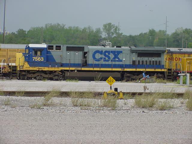 CSXT Dash-8 7563
