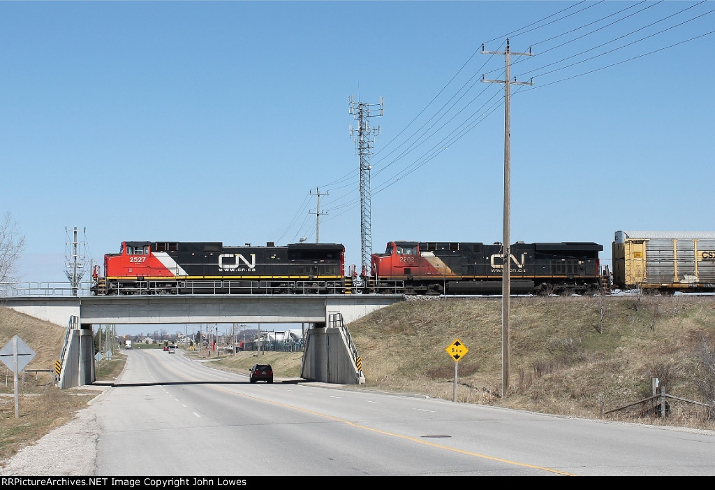 Westbound mixed freight to the east of Woodstock