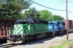 FURX 8133 and NREX ex conrail leads eastbound